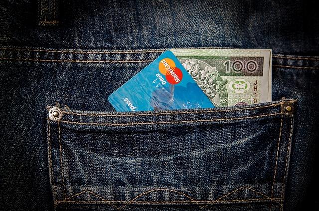 money in someone's back pocket